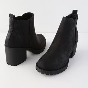 Lulu's Shoes - NWT Chinese Laundry Black Booties